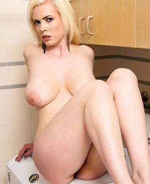 Kristy Snow