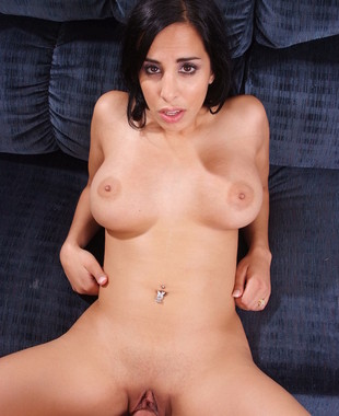 Lacey Cruz