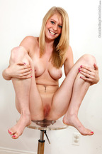 Trío bisexual con la rubia Allie James, foto 6