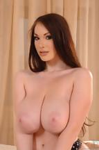 Anna Song posa totalmente desnuda, foto 6