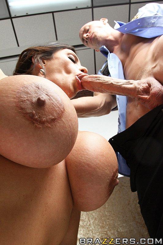 Ariella Ferrera y Johnny Sins, foto 8