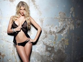 Fotos con una impresionante Danica Thrall posando semidesnuda, foto 5