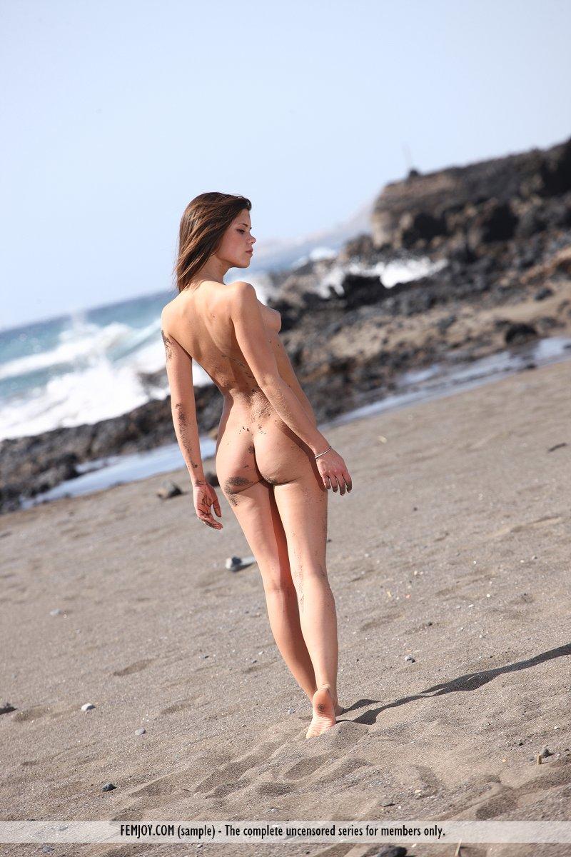 Fotos De Little Caprice Desnuda En La Playa Todas Las