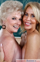 Busty granny Mrs. Jewell got to please two cocks in steamy group action № 586176 без смс