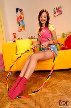 Nikita Williams desnudándose y jugando con un hula hoop, foto 3