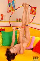 Nikita Williams desnudándose y jugando con un hula hoop, foto 14