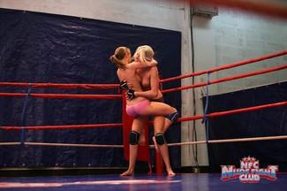 Pelea lésbica con Alice Miller y Danielle Maye, foto 7