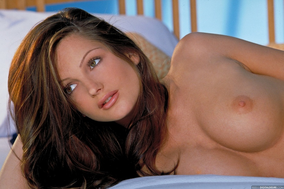pamela anderson free nude pics