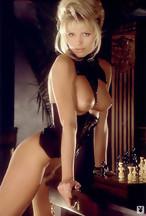 Victoria Zdrok desnuda y a cuatro patas para Playboy.com, foto 16