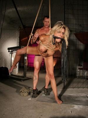 Klarisa Leone y Frank Gun