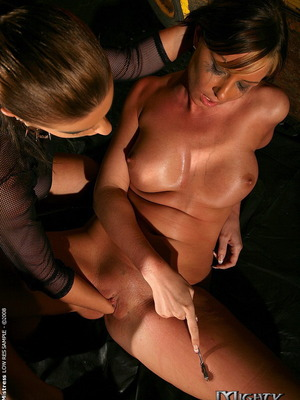 Gabriella May y Nikki Rider