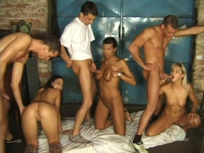 Nikki Montana,Simony Diamond y Black Diamond y desconocido