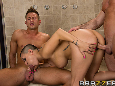 Eva Angelina,John Strong y Bill Bailey