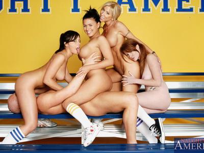 Eva Angelina,Morgan Ray,Nikki Rhodes y Penny Flame y Christian XXX