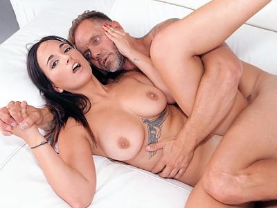 Claudia Bavel y Nacho Vidal