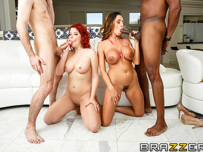 Ariella Ferrera y Sarah Blake,Sean Michaels y James Deen