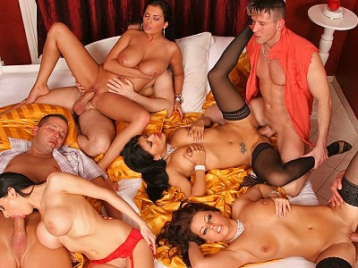 Yoha Galvez,Alison Star,Veronica Cross y Jasmine Black,Csoky,Thomas Stone y desconocido