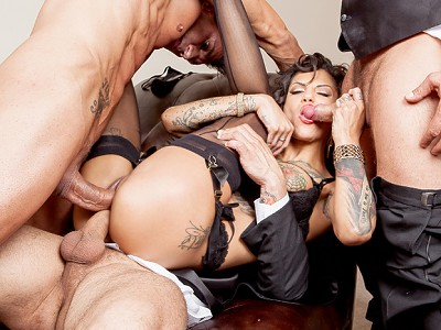 Veronica Avluv y Bonnie Rotten,Mark Davis,Toni Ribas,James Deen,Mr. Pete,Danny Mountain y Marco Banderas