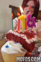 Alana Rains rompiéndole el culo por su 18 cumpleaños, foto 6