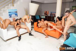 Anissa Kate, Claudia Shotz, Jasmine Black y NoeMilk en una buena orgía, foto 11