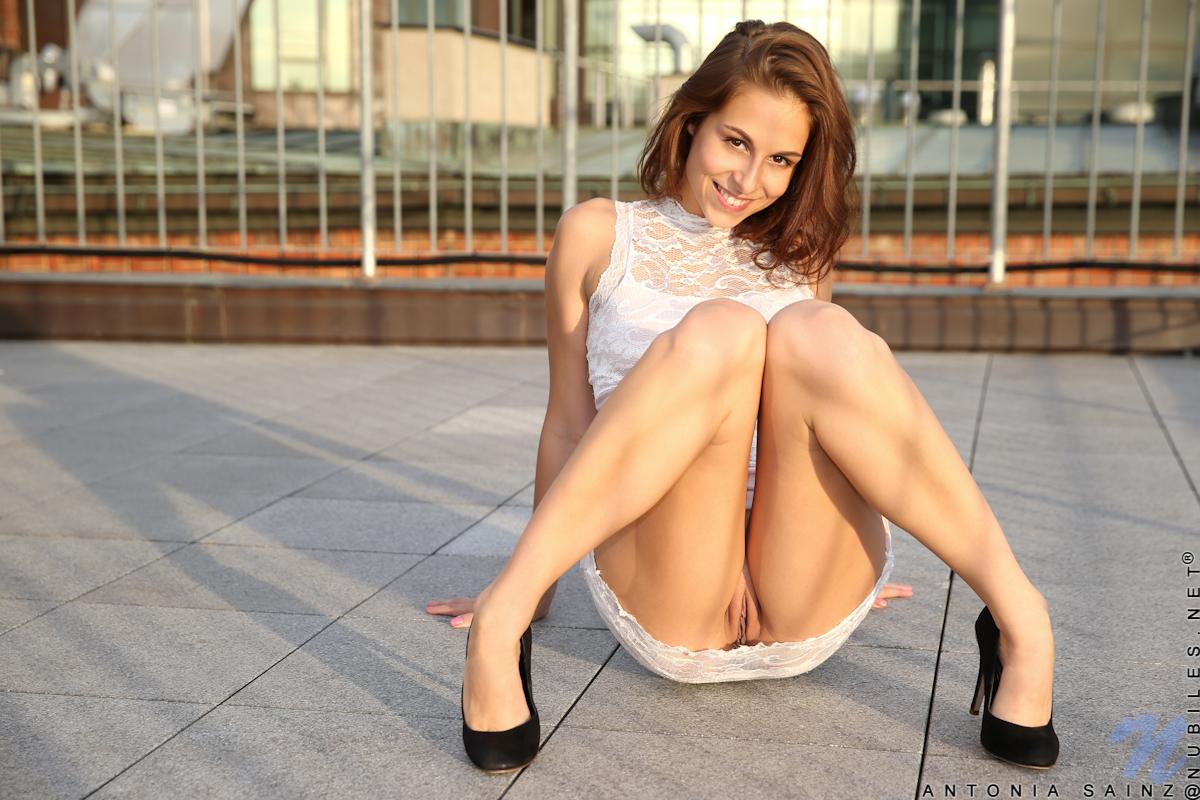 Actriz Porno Sainz antonia sainz posa desnuda en la terraza de su casa, foto 3