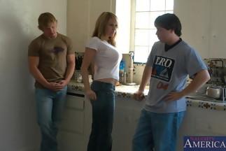 Bridgette Monroe en un trío con Jack Venice y Trent Soluri, foto 2