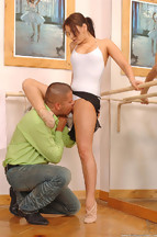 Sexo fetiche en el gimansio con Aleska Diamond y Thomas Stone, foto 4